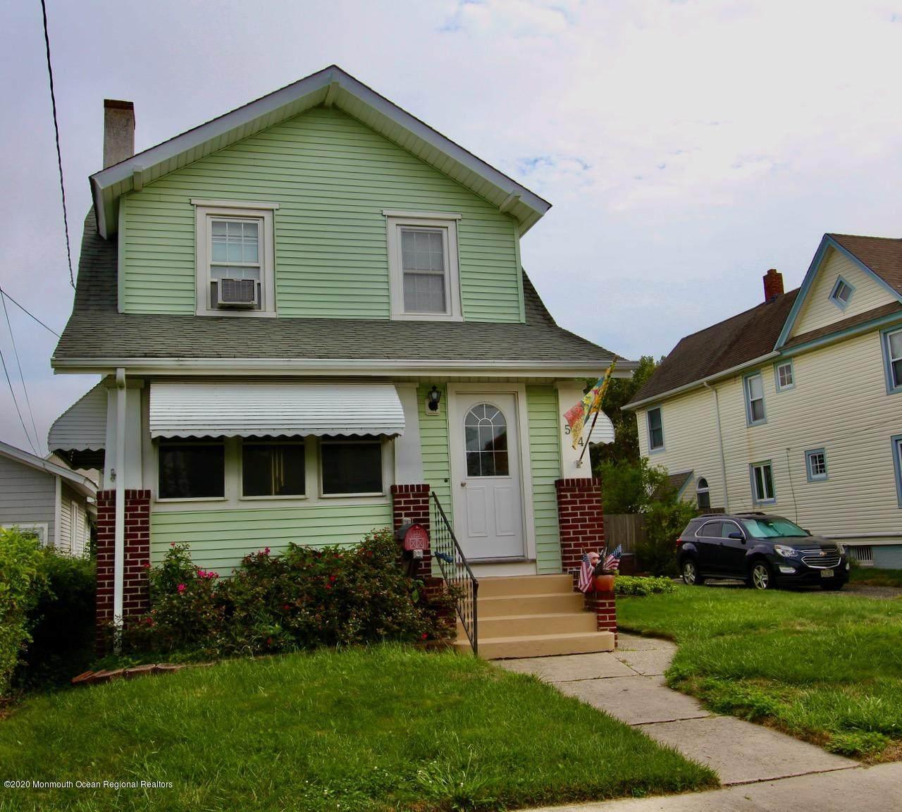 514 Burlington Avenue - Photo 1