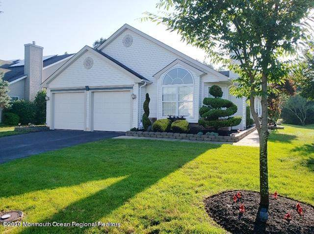 84 Foxwood Road, Lakewood, NJ 08701 (MLS #22032870) :: The Dekanski Home Selling Team