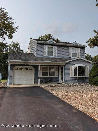 1080 Lake Placid Drive, Toms River, NJ 08753 (MLS #22033281) :: Kiliszek Real Estate Experts