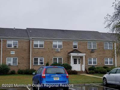 31 Manchester Court E, Freehold, NJ 07728 (MLS #22036888) :: Team Gio | RE/MAX