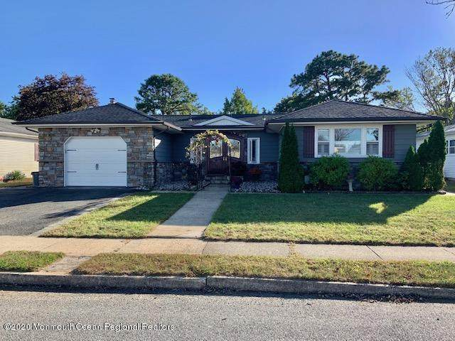 180 Port Royal Drive, Toms River, NJ 08757 (MLS #22037443) :: The Sikora Group