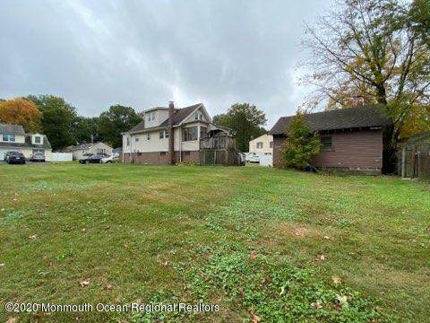 16 York Avenue, Port Monmouth, NJ 07758 (MLS #22038285) :: The MEEHAN Group of RE/MAX New Beginnings Realty
