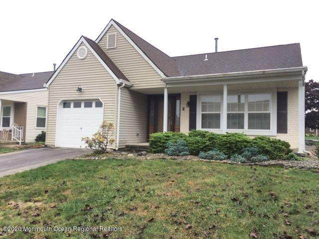 9 Prince Charles Drive, Toms River, NJ 08757 (MLS #22038463) :: The MEEHAN Group of RE/MAX New Beginnings Realty