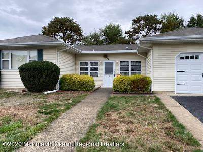 4 Wojtyla Court, Toms River, NJ 08757 (MLS #22038671) :: The Dekanski Home Selling Team