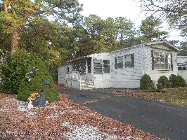 33 Kingfisher Way, Whiting, NJ 08759 (MLS #22039673) :: The Streetlight Team at Formula Realty