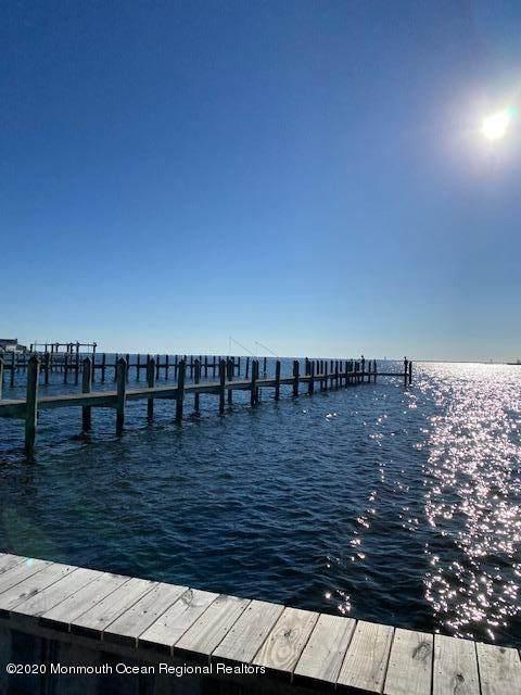 51 Bay Breeze Drive - Photo 1