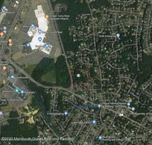 821 Oak Avenue, Toms River, NJ 08753 (MLS #22041740) :: The Streetlight Team at Formula Realty