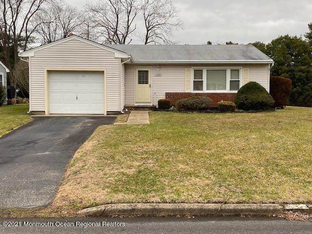1094 Edgebrook Drive S, Toms River, NJ 08757 (MLS #22100232) :: The DeMoro Realty Group | Keller Williams Realty West Monmouth