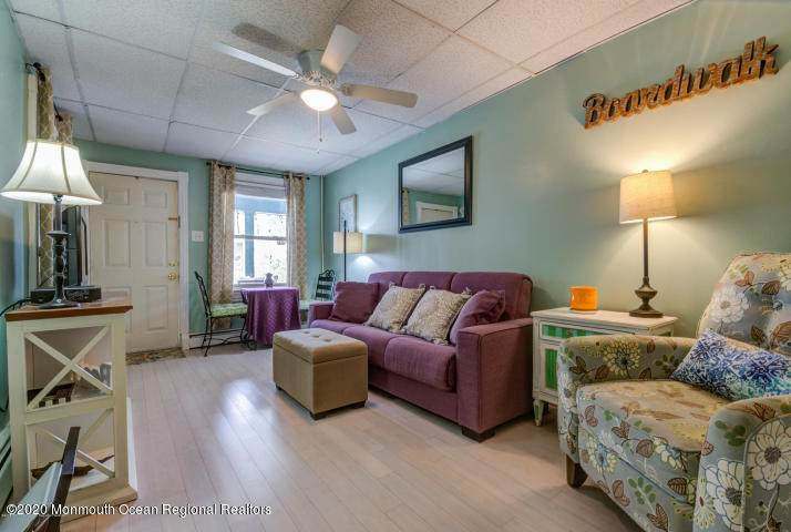 31 Atlantic Avenue - Photo 1