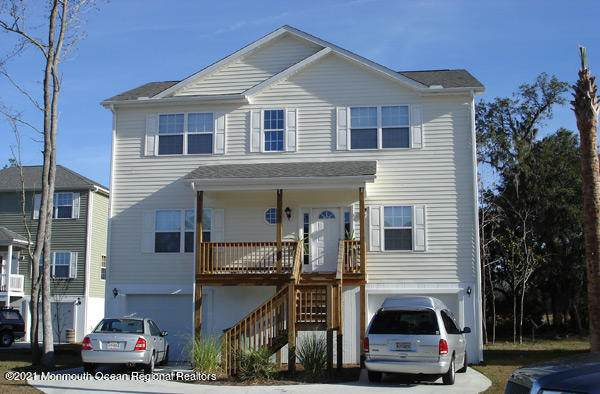 424 E Bay Avenue, Barnegat, NJ 08005 (MLS #22101385) :: The MEEHAN Group of RE/MAX New Beginnings Realty
