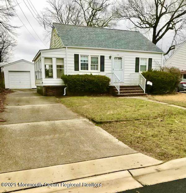 38 Brookwood Road, Spotswood, NJ 08884 (MLS #22103584) :: William Hagan Group