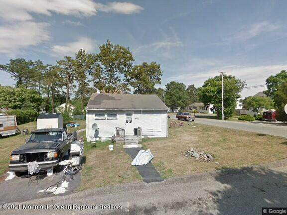1400 Middlesex Street, Toms River, NJ 08757 (MLS #22105021) :: The Sikora Group