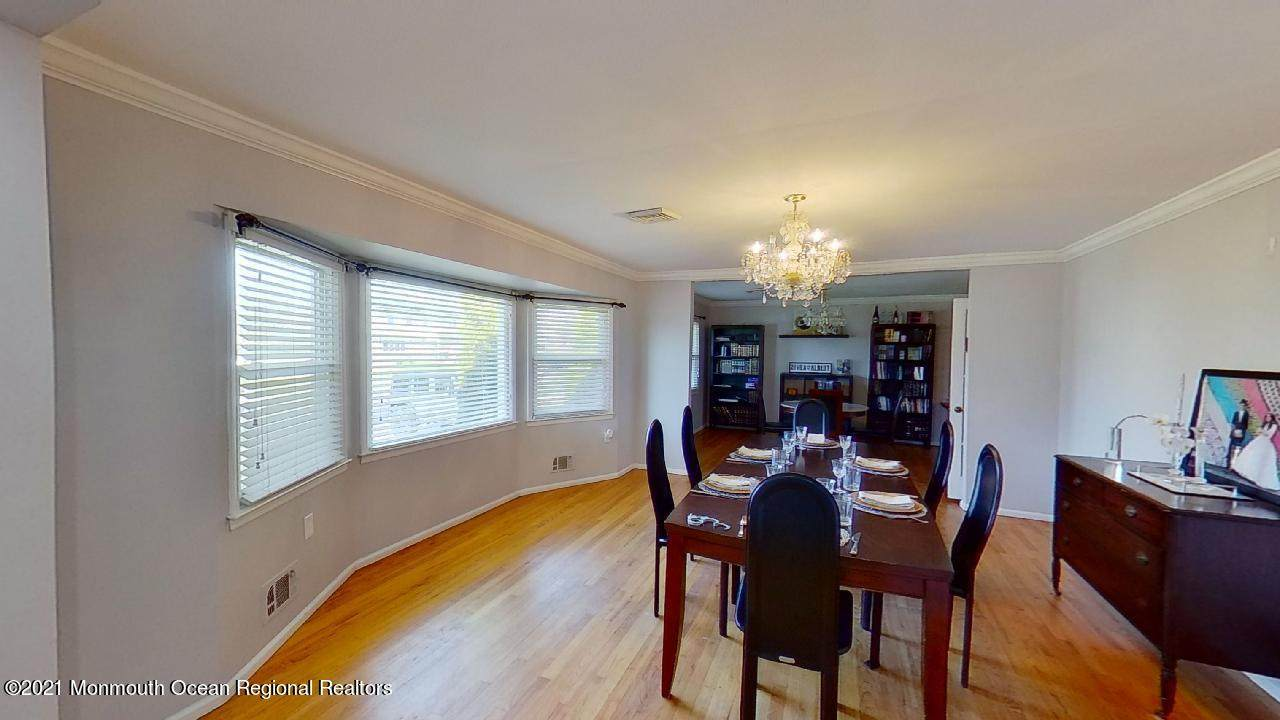 743 Shrewsbury Avenue - Photo 1
