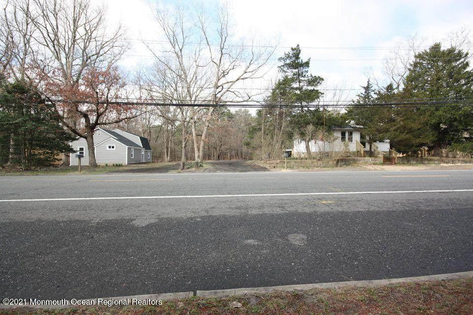 484 Cedar Swamp Road - Photo 1