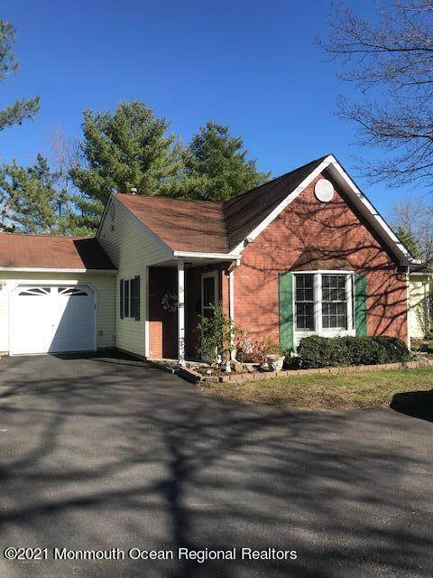 5 Carnaby Close #1000, Freehold, NJ 07728 (MLS #22110581) :: The DeMoro Realty Group | Keller Williams Realty West Monmouth