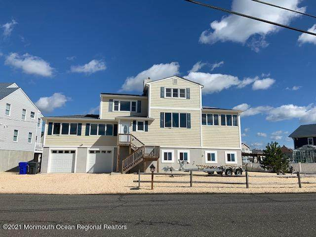 50 Rochester Drive, Brick, NJ 08723 (MLS #22111180) :: The MEEHAN Group of RE/MAX New Beginnings Realty