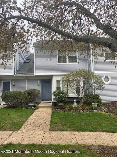 22 Dallenbach Lane #22, East Brunswick, NJ 08816 (MLS #22111364) :: The MEEHAN Group of RE/MAX New Beginnings Realty