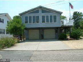 328 W 6th Street, Ship Bottom, NJ 08008 (MLS #22111569) :: The MEEHAN Group of RE/MAX New Beginnings Realty