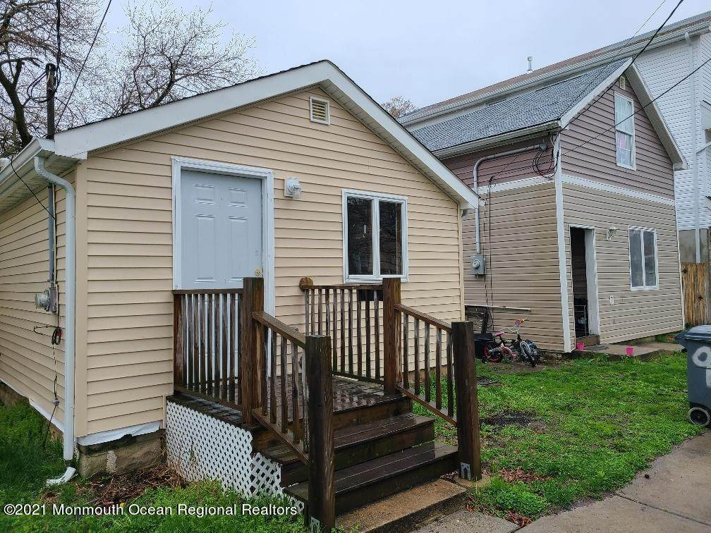 7 Smith Place - Photo 1