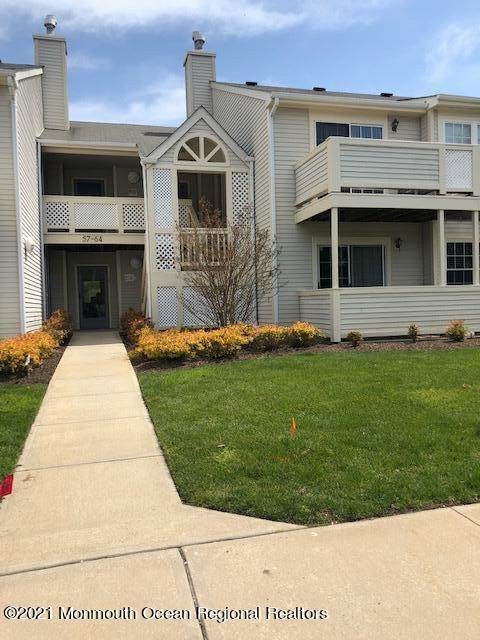 61 Briarwood Court, Howell, NJ 07731 (MLS #22112881) :: The MEEHAN Group of RE/MAX New Beginnings Realty