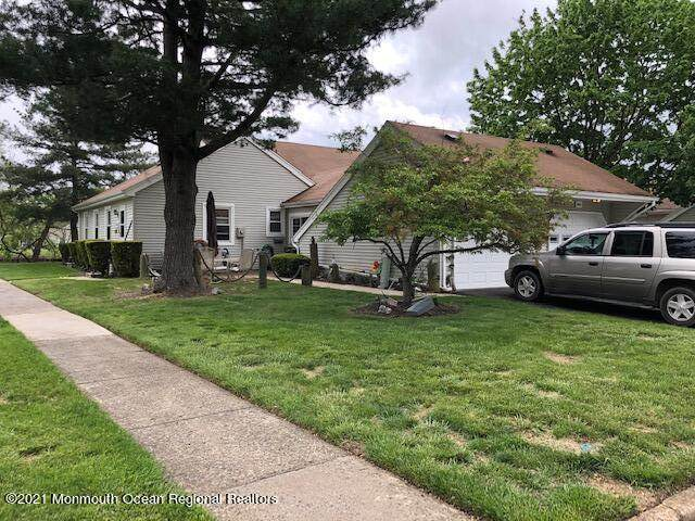 144F Parkway Drive #1000, Freehold, NJ 07728 (MLS #22115602) :: Caitlyn Mulligan with RE/MAX Revolution