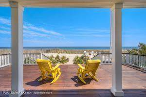13 Edgewater Terrace - Photo 1