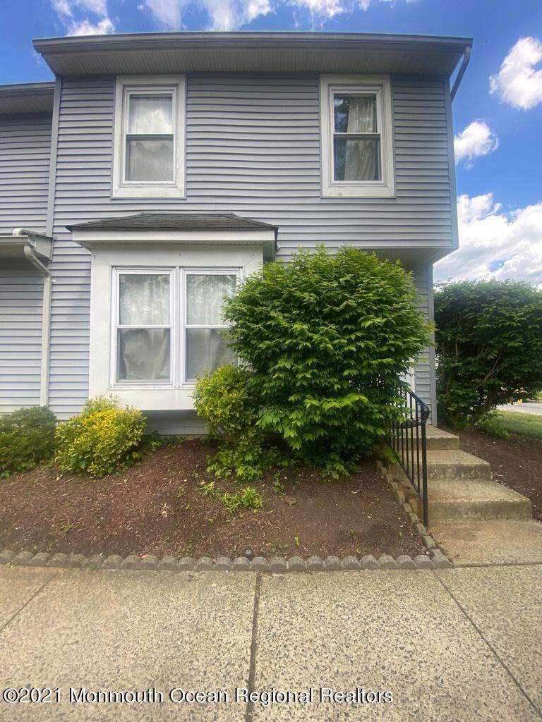 164 Woodlake Manor Drive - Photo 1