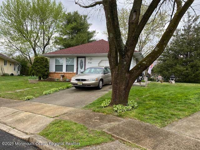 40 Mount Rainier Drive, Toms River, NJ 08753 (MLS #22118848) :: PORTERPLUS REALTY