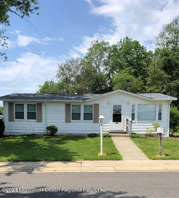 406 Woody Road, Freehold, NJ 07728 (MLS #22119076) :: The MEEHAN Group of RE/MAX New Beginnings Realty