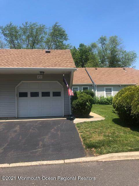 17C Plaza Del Campillo #1000, Freehold, NJ 07728 (MLS #22119172) :: The MEEHAN Group of RE/MAX New Beginnings Realty