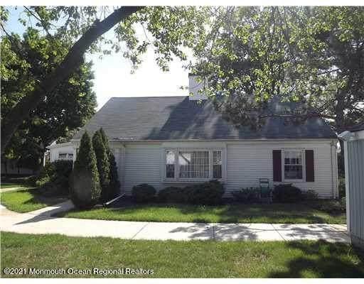 171 Rossmoor Drive C, Monroe, NJ 08831 (MLS #22119263) :: The MEEHAN Group of RE/MAX New Beginnings Realty