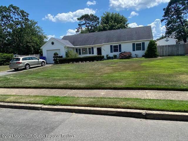1045 Roxbury Lane, Toms River, NJ 08753 (MLS #22121143) :: Corcoran Baer & McIntosh