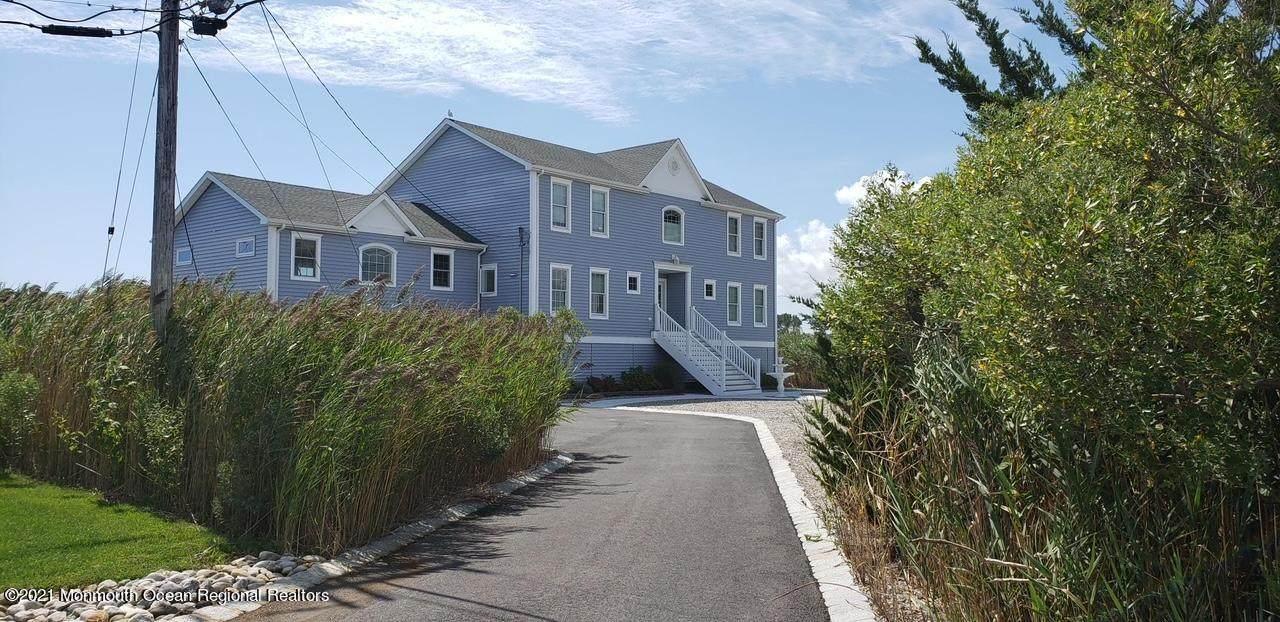 1095 Island Drive - Photo 1