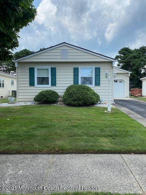 7 Saint Tropez Court, Toms River, NJ 08757 (MLS #22123062) :: The MEEHAN Group of RE/MAX New Beginnings Realty