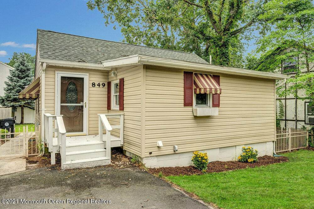 849 Sterling Avenue - Photo 1