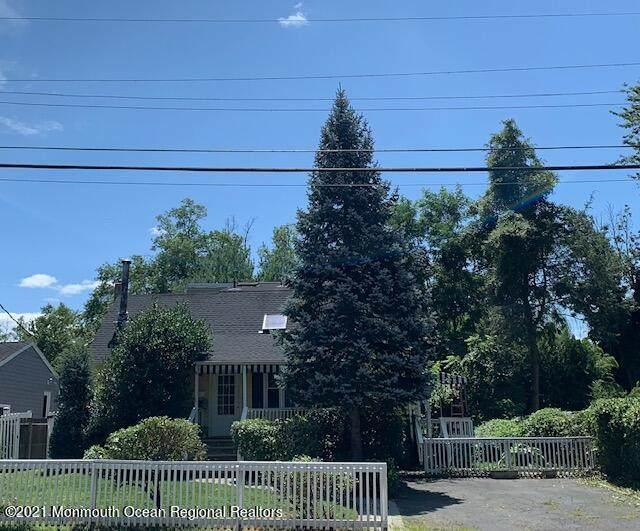 43 Rumson Place, Little Silver, NJ 07739 (MLS #22125249) :: William Hagan Group