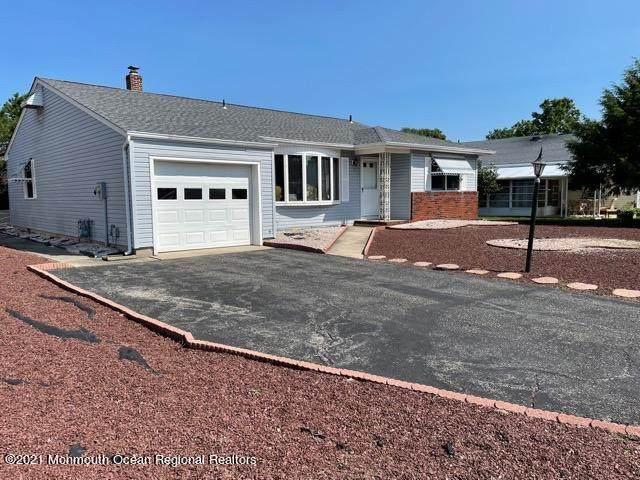 25 Auburn Road, Toms River, NJ 08757 (MLS #22125460) :: Kiliszek Real Estate Experts