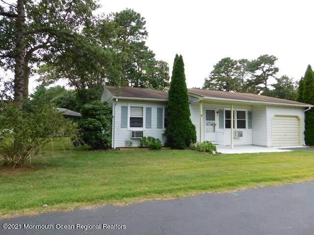 2 Rose Lane #70, Whiting, NJ 08759 (MLS #22125821) :: The Sikora Group