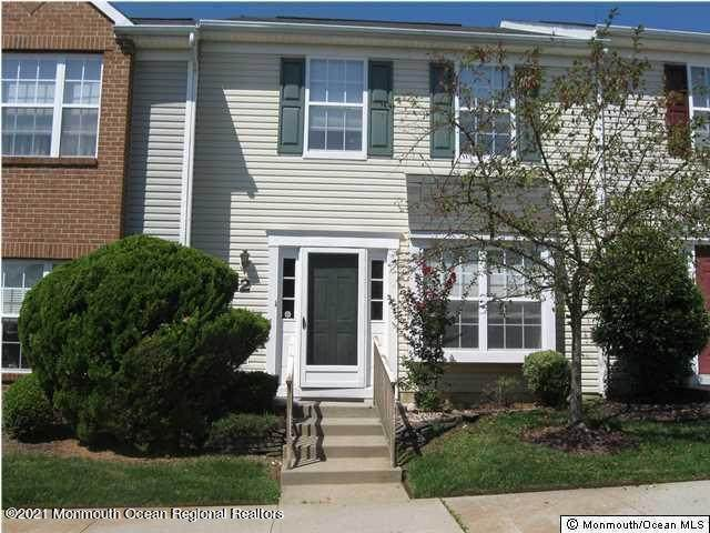 33 Oliver Court #2, Freehold, NJ 07728 (MLS #22126513) :: The MEEHAN Group of RE/MAX New Beginnings Realty