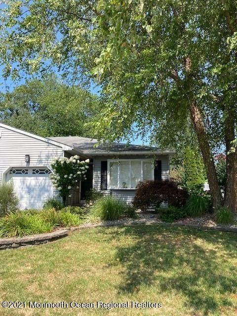 8B Diamond Drive B, Barnegat, NJ 08005 (#22126948) :: Rowack Real Estate Team