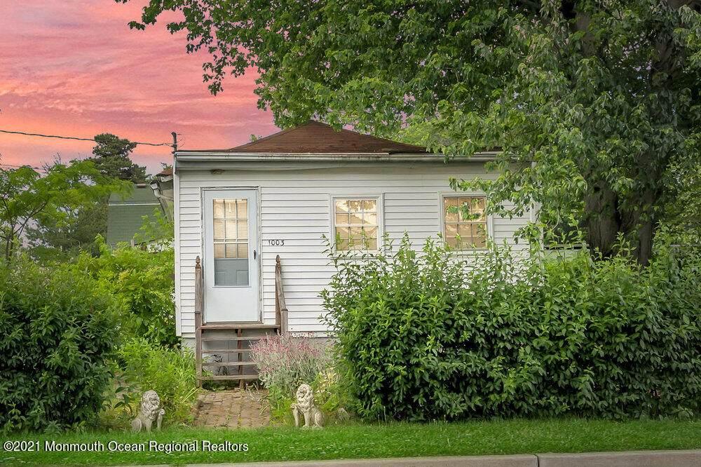 1003 Edmunds Avenue - Photo 1