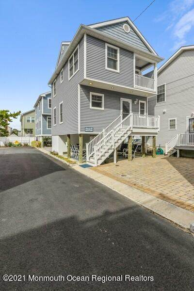 106 W Channel Way, Lavallette, NJ 08735 (MLS #22131805) :: The MEEHAN Group of RE/MAX New Beginnings Realty