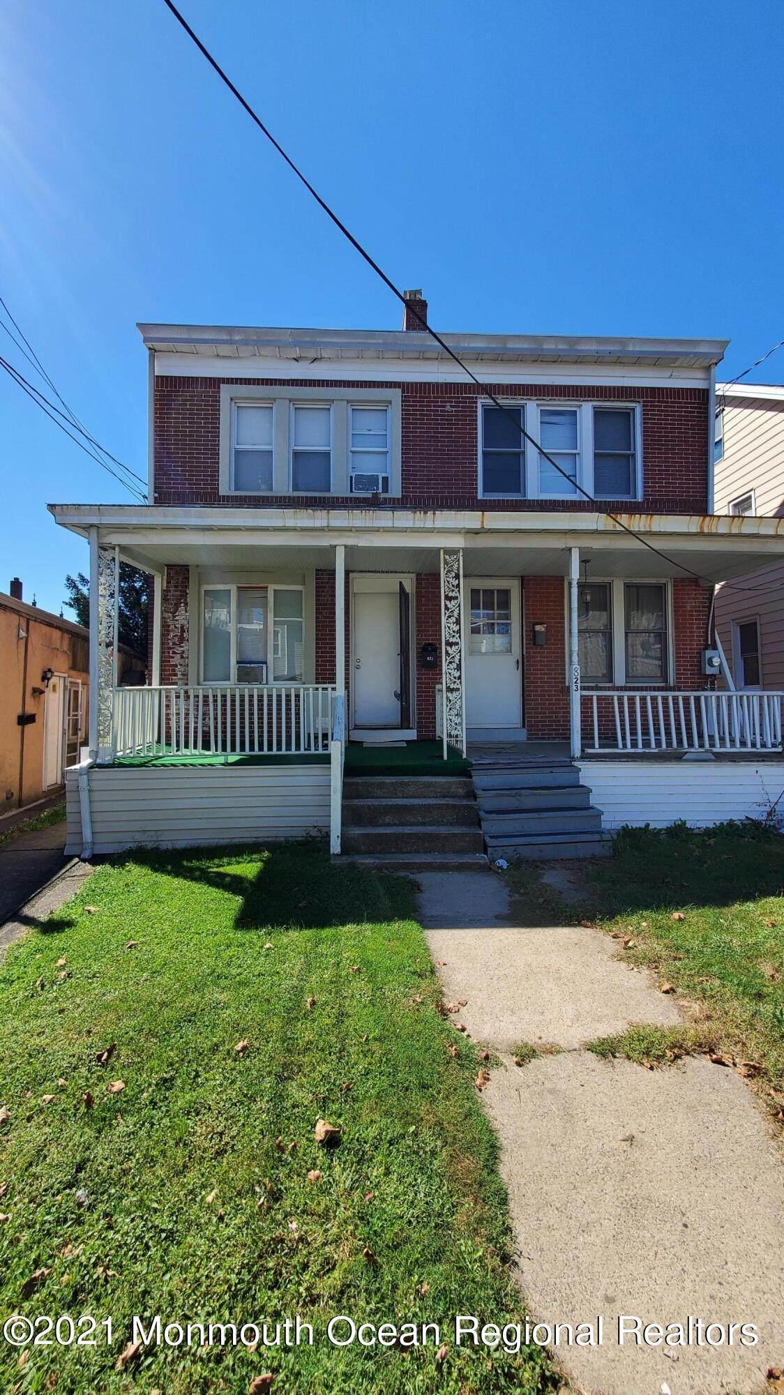 821 Spruce Street - Photo 1