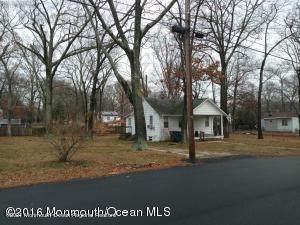 239 Highwood Road, Oakhurst, NJ 07755 (MLS #22132059) :: The Streetlight Team at Formula Realty