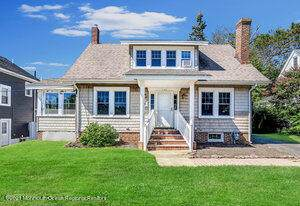 140 South Street, Freehold, NJ 07728 (MLS #22132247) :: The MEEHAN Group of RE/MAX New Beginnings Realty
