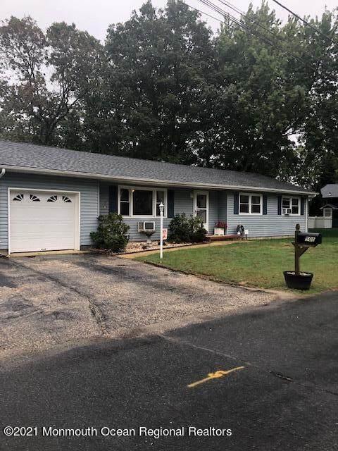 501 Myrtle Avenue, Brick, NJ 08723 (MLS #22133412) :: The Sikora Group