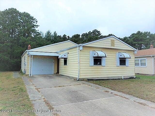 16 Canterbury Lane, Toms River, NJ 08757 (#22133852) :: Rowack Real Estate Team