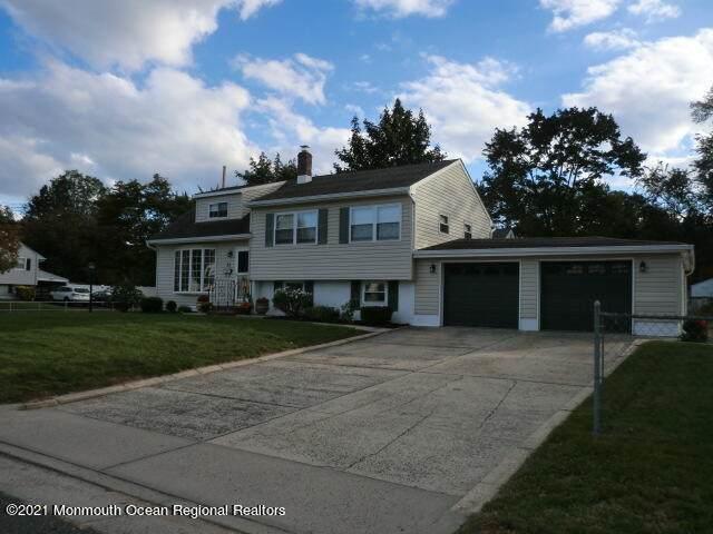 38 Locust Terrace, Middletown, NJ 07748 (MLS #22134717) :: PORTERPLUS REALTY