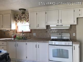 8 Affirmed Lane, Howell, NJ 07731 (MLS #21705793) :: The Dekanski Home Selling Team