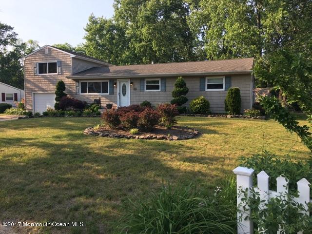 30 Charles Avenue, Manchester, NJ 08759 (MLS #21710223) :: The Dekanski Home Selling Team